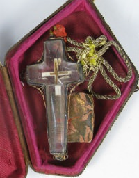 Crystal theca with Passion relic of the True Cross of Jesus Christ