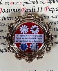 Extremely rare documented reliquary theca with four relics of Saint Pope John Paul II
