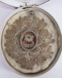 Fancy theca with Passion relics of the Holy Shroud of Jesus Christ (Shroud of Turin)