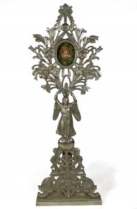 Spectacular Reliquary Monstrance with a scarce Relic from the Vestment of the Blessed Virgin Mary