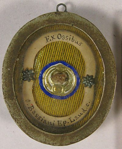 Theca with a first class ex ossibus relic of Saint Bassianus Bishop of Lodi