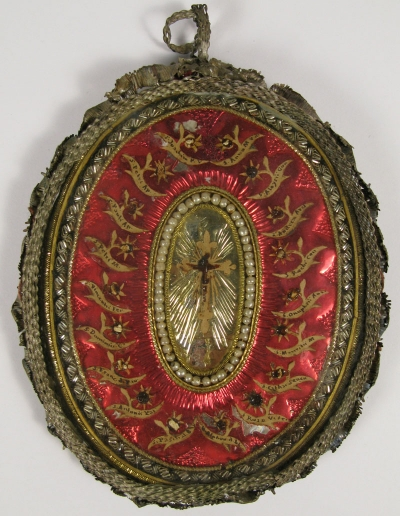 Large reliquary theca with relics of the True Cross and 18 Catholic Saints