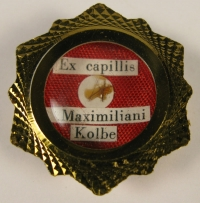 Rare Reliquary theca housing first-class relic of Saint Maximillian Kolbe OFM Conv., Martyr of Charity