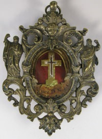 Fancy reliquary theca with relics of the True Cross of Jesus Christ